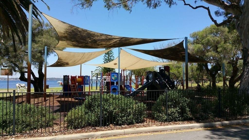 JH Abrahams Reserve Playground, Crawley
