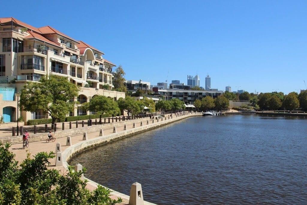 Crowne Plaza Hotel East Perth