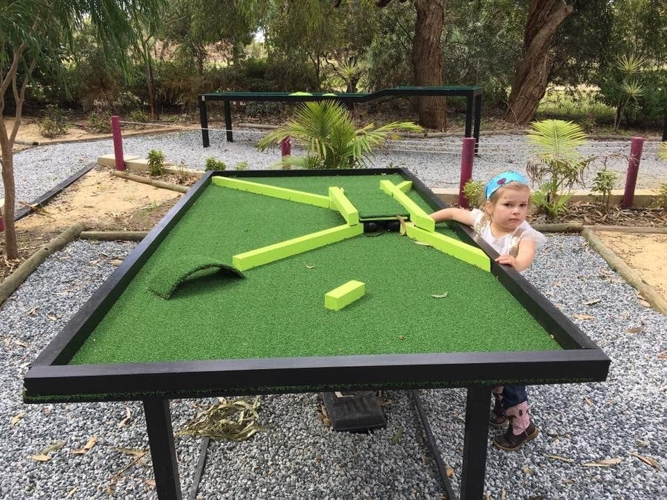 mini golf perth
