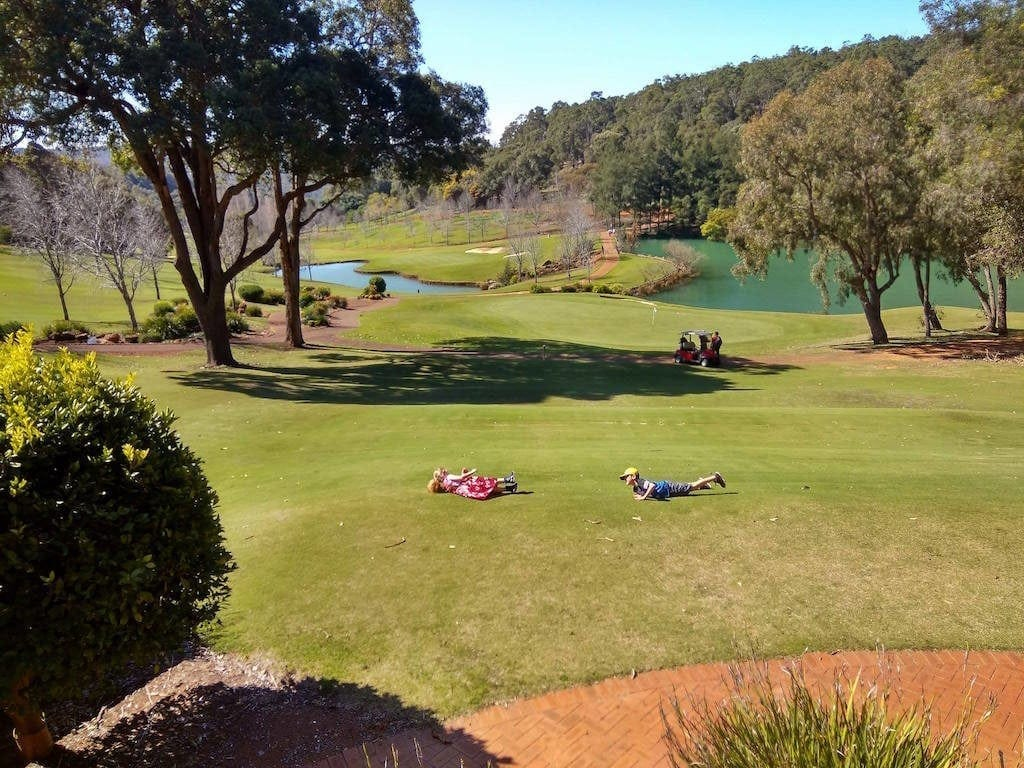 Araluen Golf Resort - Views 101 Cafe & Bar