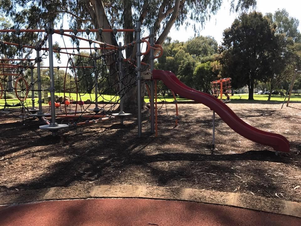 Neil McDougall Park, Como