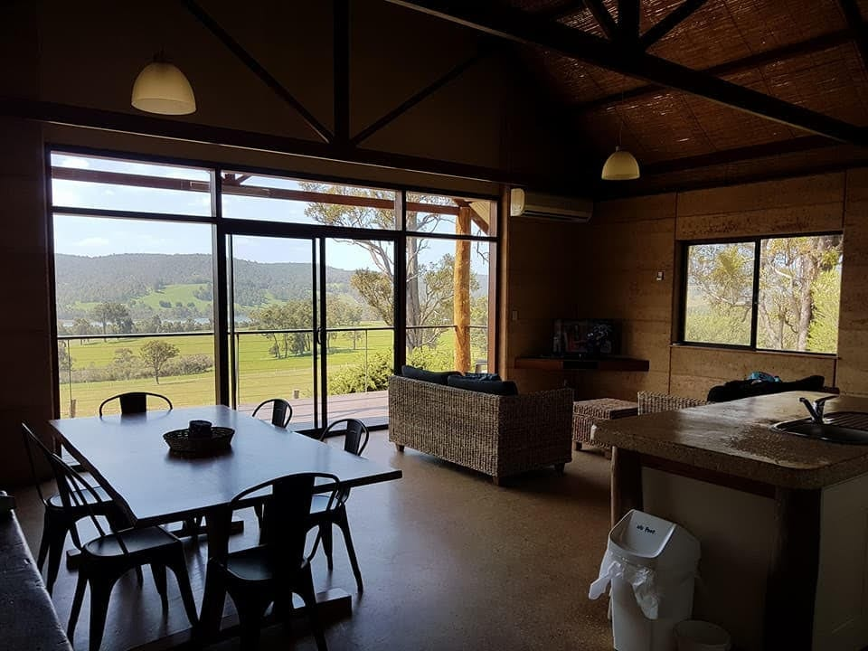 Bluehills Farmstay, Harvey