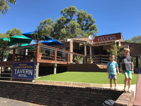 Lake Clifton Tavern