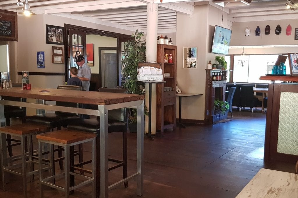 Mount Helena Tavern, Mount Helena