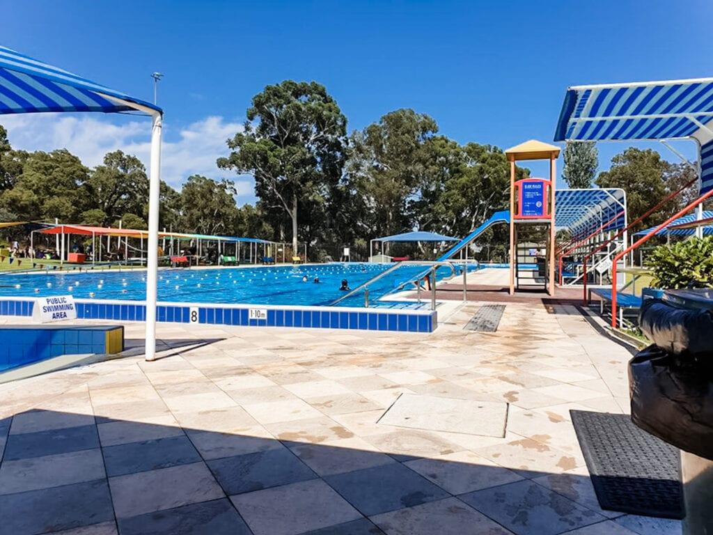 Bilgoman Swimming Pool